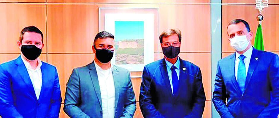 Caio Cunha reconhece foto adulterada com ministro e promete providências