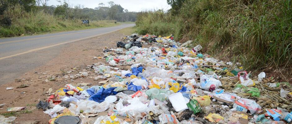 Estrada Fazenda Viaduto aguarda pavimentação