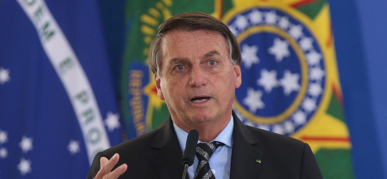Bolsonaro durante coletiva nesta sexta-feira (22)