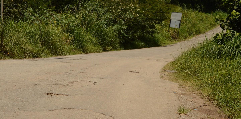 Em lista de recuperação do DER, estradas dos Fernandes e Santa Mônica têm trechos com buracos