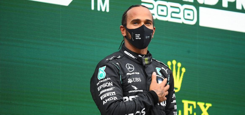 Hamilton chega a acordo com a Mercedes para temporada de 2021 na F1