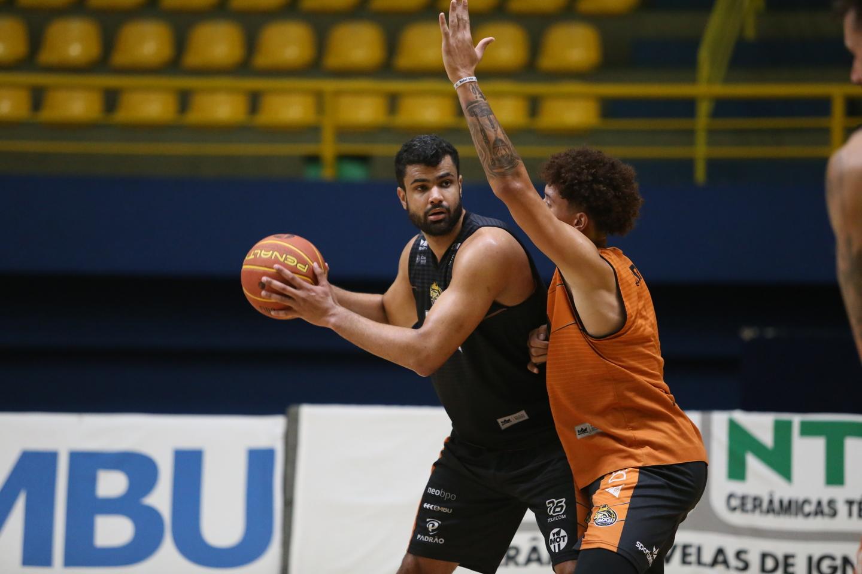 Mogi Basquete enfrenta Fortaleza nesta sexta pelo NBB