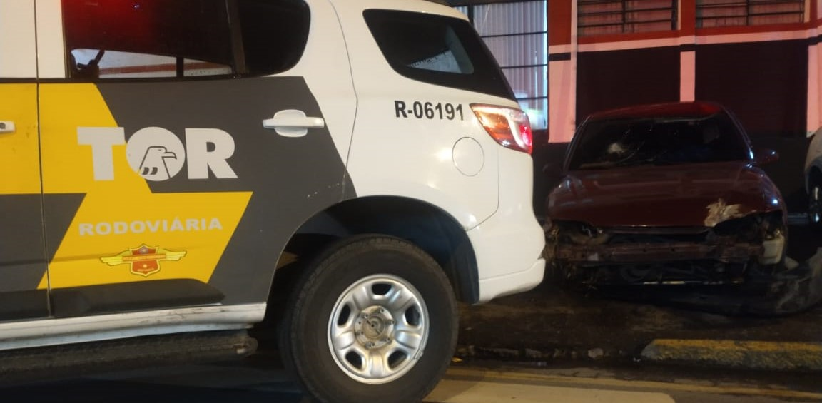 Veículo e suspeito foram levados para a Delegacia de Itaquá
