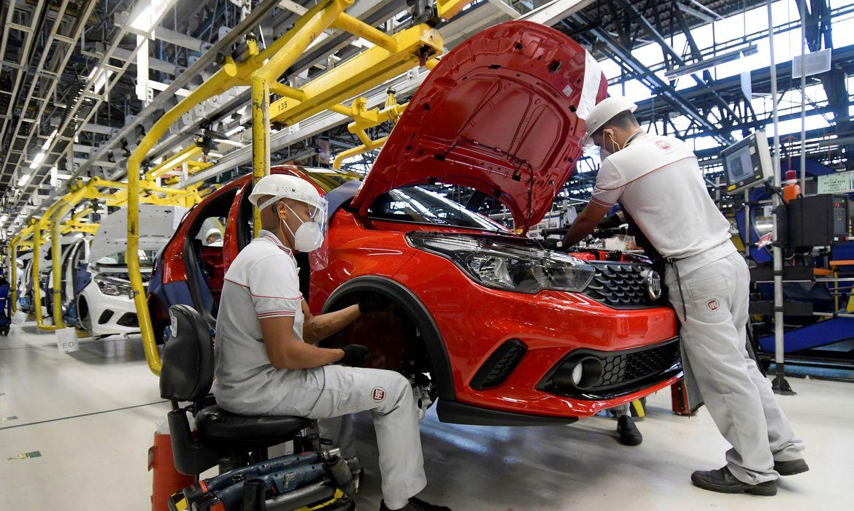 Brasil gera mais de 400 mil novos empregos formais em fevereiro