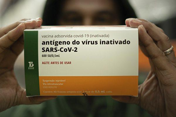 Vacina do Butantan é eficaz contra mutações comuns às variantes P.1 e P.2