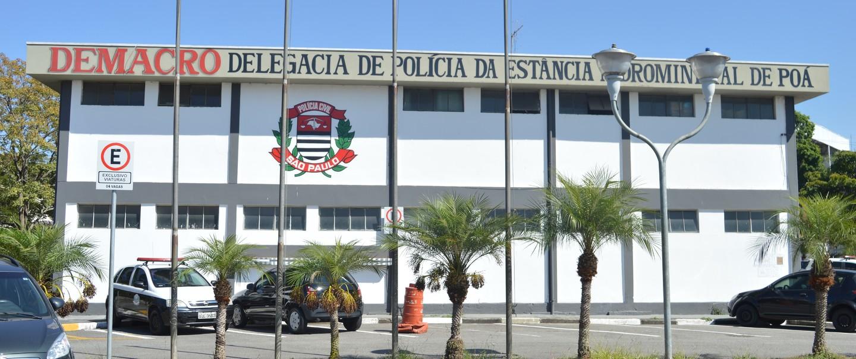 Casal, suspeito de praticar o crime, foi preso e levado para a Delegacia de Poá