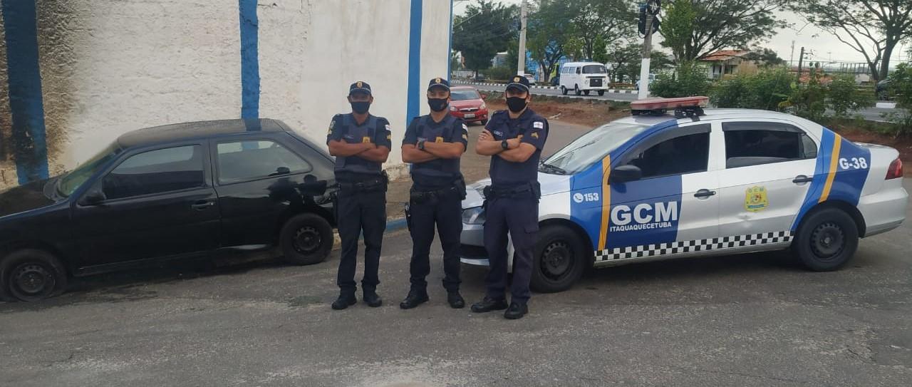 GCM de Itaquá recupera carro furtado no Jardim Luciana