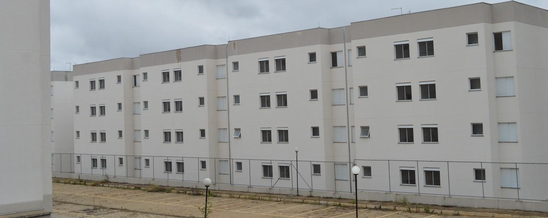 Moradores de residencial ocupado em Suzano pedem solução para 220 famílias