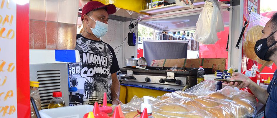 Barracas de lanches estão de volta em Suzano com o desafio de recuperar os clientes por conta da pandemia