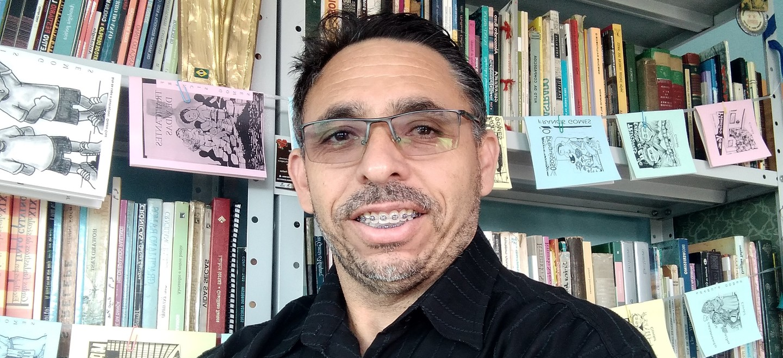 O convidado é o escritor, poeta e cordelista Francis Gomes