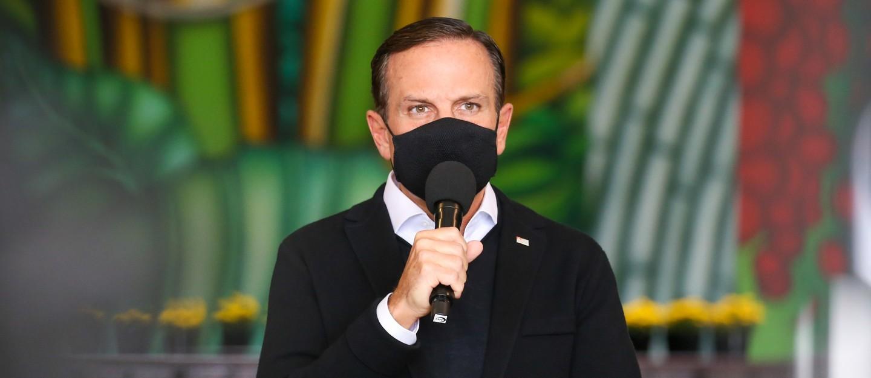 Governador anuncia antecipação de 15 dias para vacinação geral contra a Covid-19
