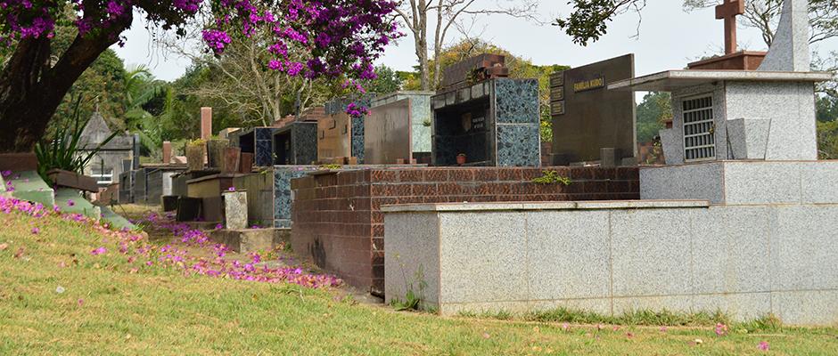 Corpo da vítima seria enterrado no Cemitério do Raffo, em Suzano