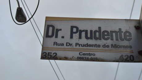 De acordo com a polícia, caso aconteceu em um córrego, localizado na Rua Doutor Prudente de Moraes