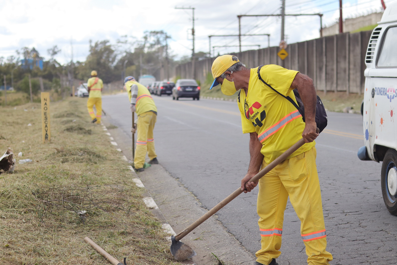 Mutirão de zeladoria retira 93 toneladas de resíduos de dois bairros de Suzano