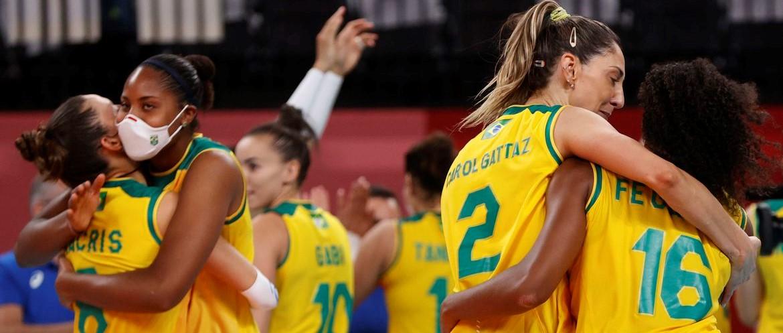 Vôlei: brasileiras têm vitória apertada contra dominicanas