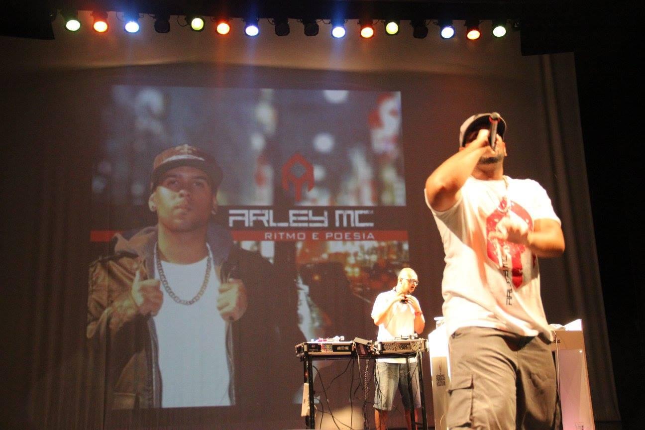 Rapper Arley MC abre a programação