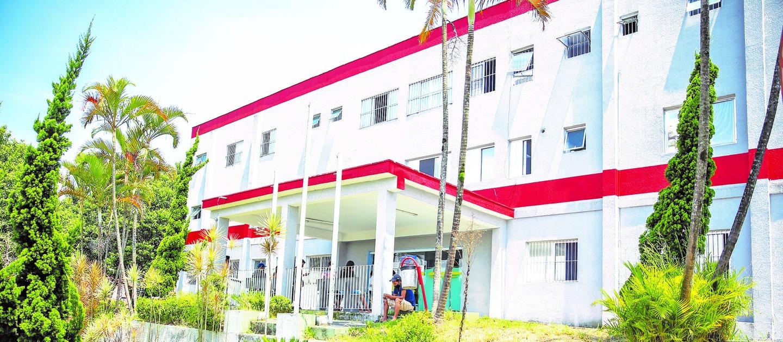 Ambulância de remoção do Hospital Guido Guida é furtada em Poá