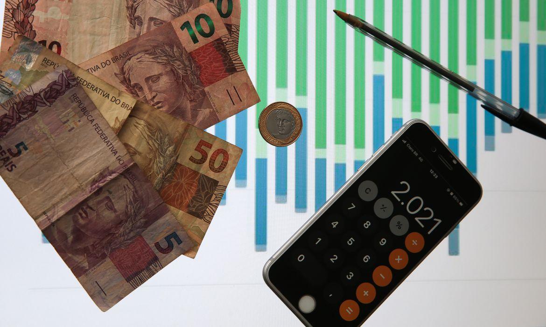 Dívida Pública sobe 1,57% em agosto e aproxima-se de R$ 5,5 tri