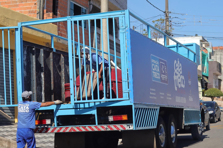 Operação Cata-Treco atenderá a 20 bairros até o próximo dia 26