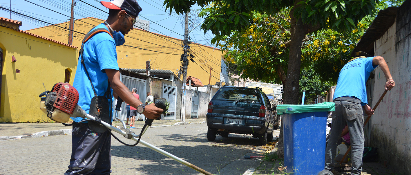 Prefeitura de Poá dá prosseguimento na limpeza dos bairros e revitalização da sinalização de trânsito