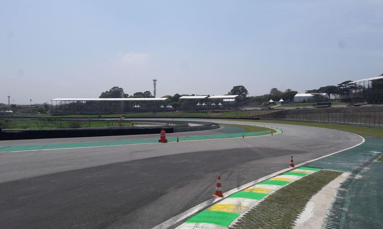 Fórmula 1 cancelou hoje (24) o Grande Prêmio (GP) do Brasil que ocorreria em 15 de novembro