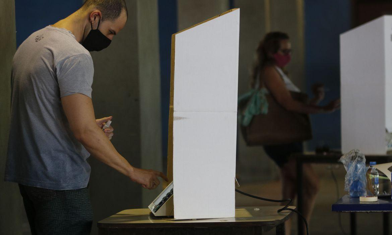 São Paulo e Rio de Janeiro registram maior abstenção no primeiro turno